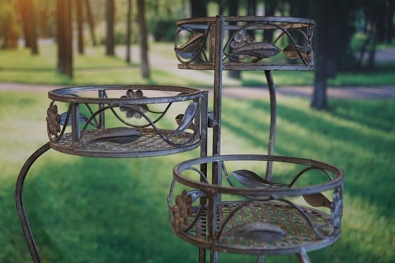 pflanzenst nder 3 teilig im antik design. Black Bedroom Furniture Sets. Home Design Ideas